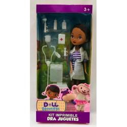 muñeca doctora con accesorios